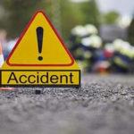 हादसा : इनोवा कार बस में पीछे से जा घुसी, 4 की मौत और एक घायल